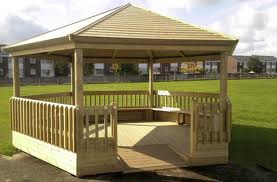 Outdoor Classrooms / Gazebo